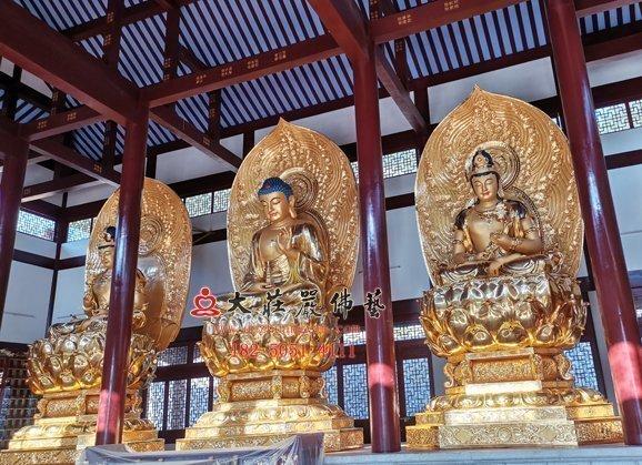 东方三圣铜佛像